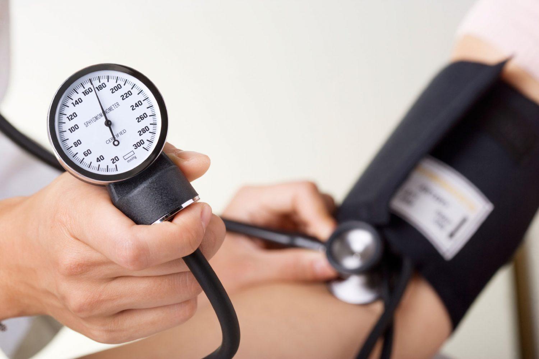 چرا فشار خون بالا میرود